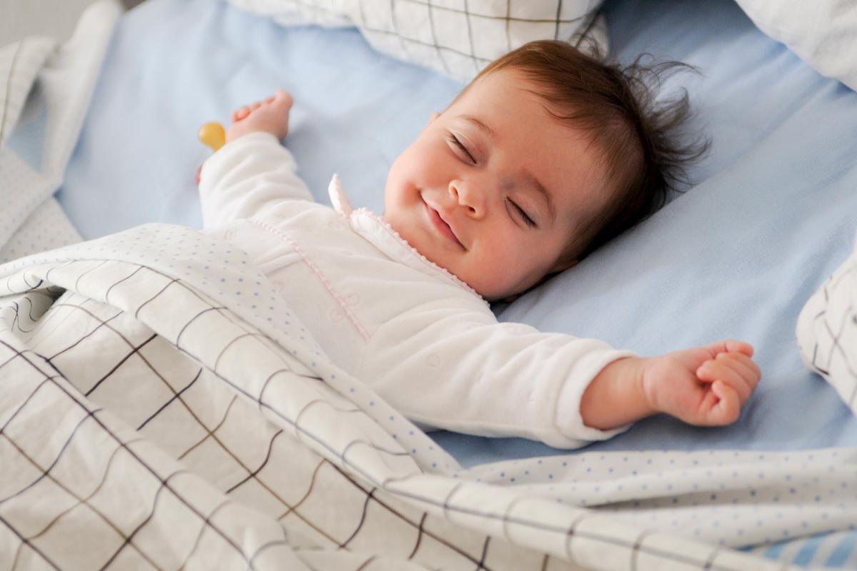 Enfant dormant paisiblement
